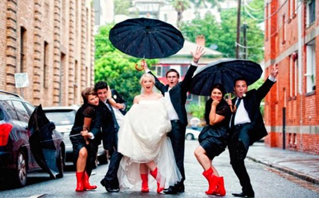 Mitos de bodas en época de lluvias